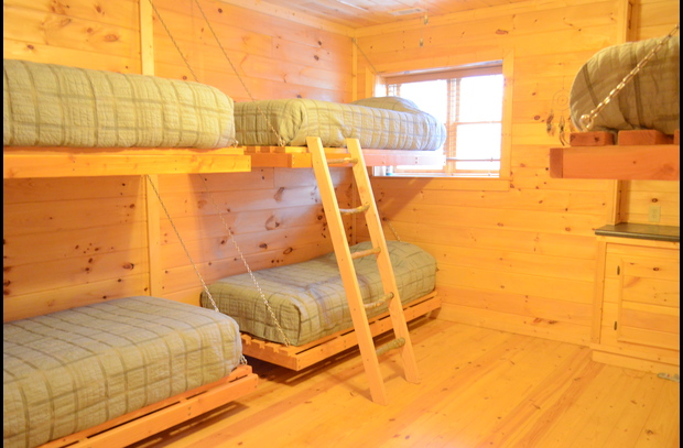 Bunk room with 6 twin beds